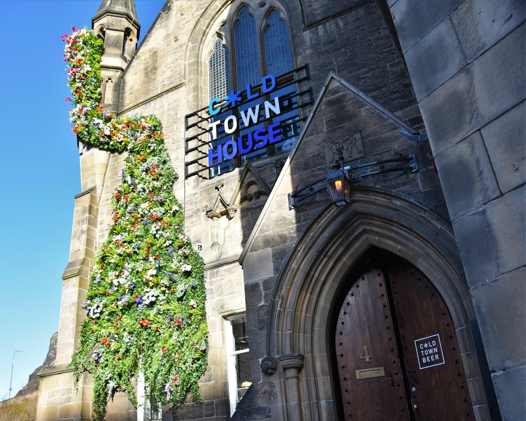 Tour of Edinburgh's best bar